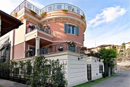Aurelia Vatican Apartments