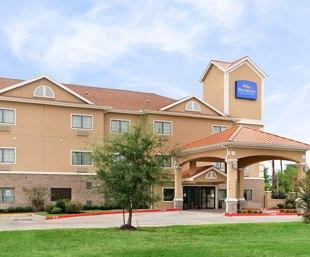 Baymont Inn & Suites Baytown