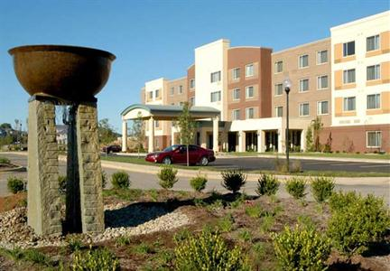 Courtyard by Marriott Louisvillle Northeast