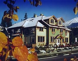 Creekside Country Inn Canmore