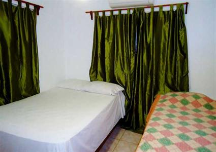Docia backpackers samana