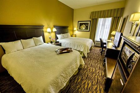 Hampton Inn and Suites Cleveland Airport Middleburg Heights