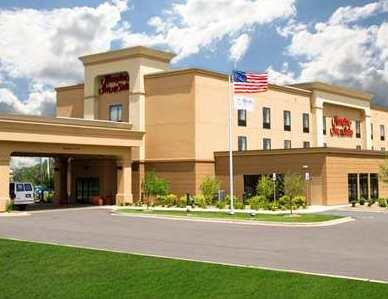 Hampton Inn & Suites Airport Grand Rapids