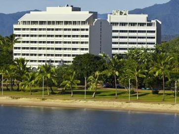 Mercure Cairns Harbourside