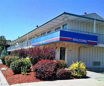 Motel 6 North Des Moines