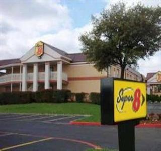 Super 8 Motel East Grand Prairie