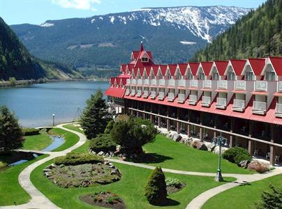 Three Valley Lake Chateau Resort Revelstoke