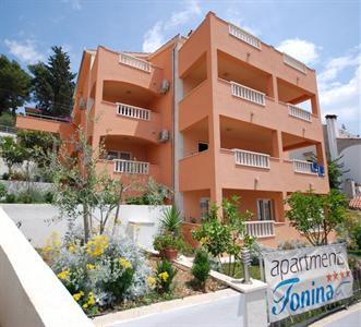 Tonina Apartments